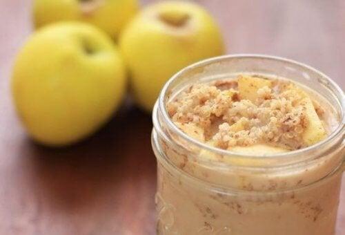 Les bienfaits du quinoa, de la pomme et de la cannelle au petit-déjeuner