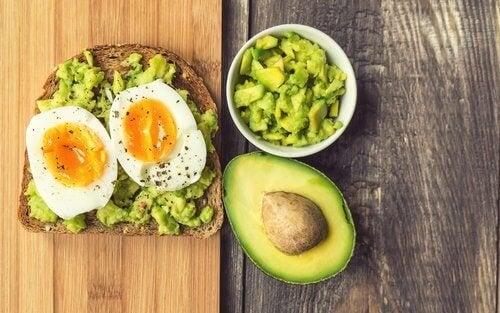 erreurs fréquentes au petit-déjeuner : consommer très peu de fibres