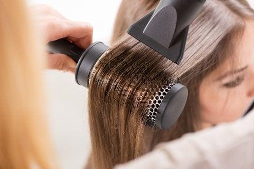 soin-fer-a-lisser-seche-cheveux-500x334