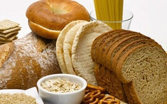 habitudes alimentaires qui peuvent abîmer la peau : excès de gluten