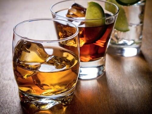 Alcool et mauvaises habitudes alimentaires.