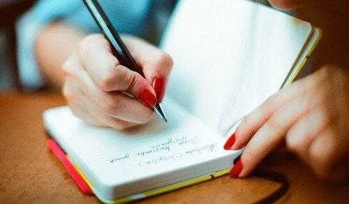 Tenir un journal au quotidien pour une meilleure vieillesse cognitive