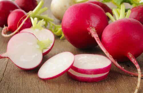 7 raisons pour lesquelles vous devriez manger plus de radis