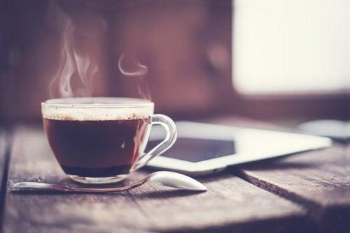 alcool-et-cafe-500x334