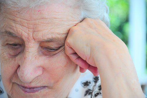 Le processus de vieillissement est pour beaucoup dans la dépression chez les personnes âgées