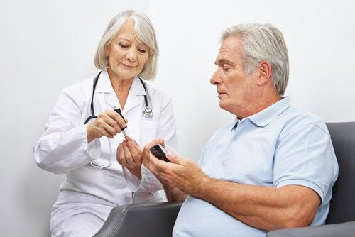docteur et patient atteint du diabète