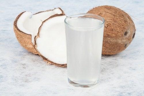L'eau de coco anti-graisses.