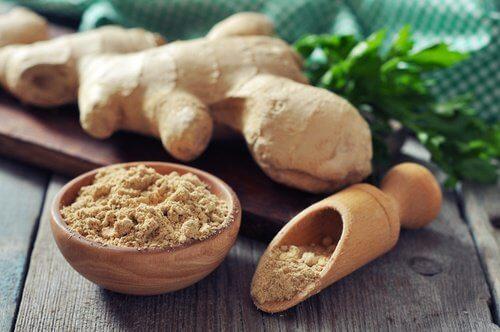 L'eau au gingembre prévient les troubles de l'estomac.