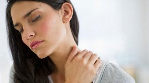 exercices pour libérer les tensions dans le cou