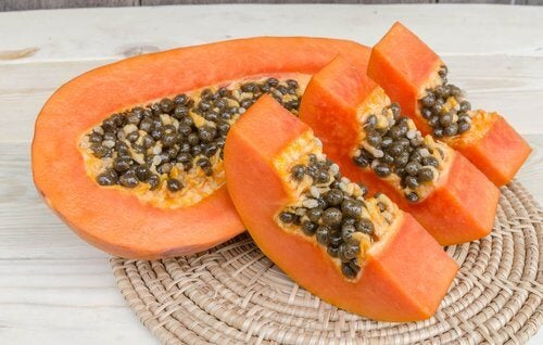 Les meilleurs fruits contre la constipation chronique : papaye