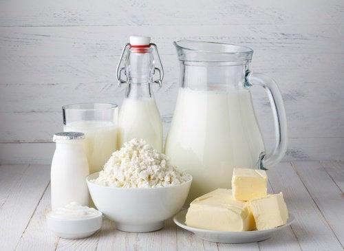 produits laitiers sur une table
