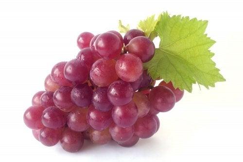 le raisin rouge pour faire disparaître les stries