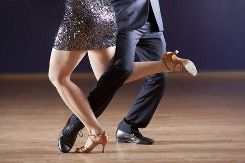 tango-500x334