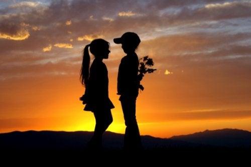 8 raisons pour lesquelles nous n'oublions jamais notre premier amour