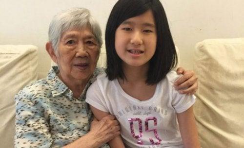 Une enfant de 12 ans crée une application pour communiquer avec sa grand-mère malade d'Alzheimer