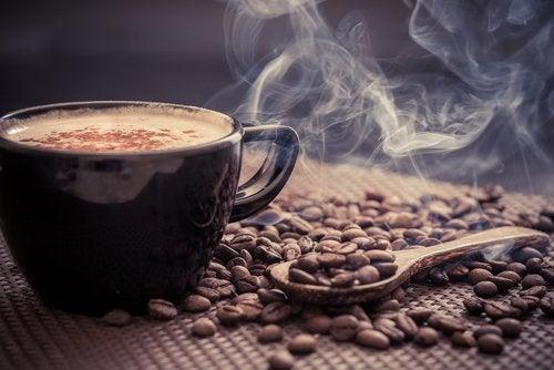 L café est mauvais pour la vessie.