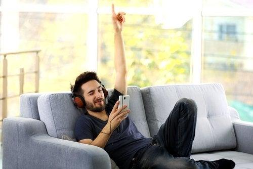 ecouter-musique-canape