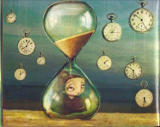 femme-avec-horloge