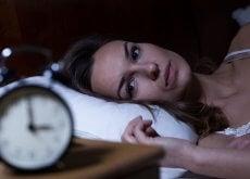 femme-lit-insomnie