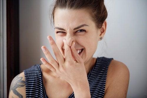 Quand l'alimentation influe sur l'odeur corporelle
