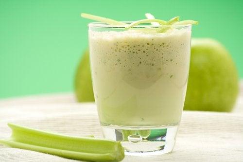 milk-shake à base de pomme et de céleri
