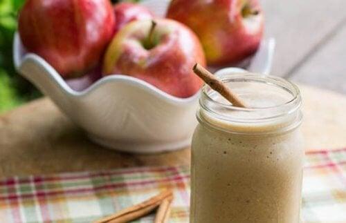4 smoothies à la pomme pour un ventre plat