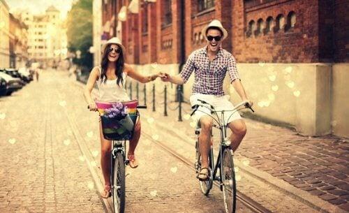 couples-satisfaits-amis-1-500x305