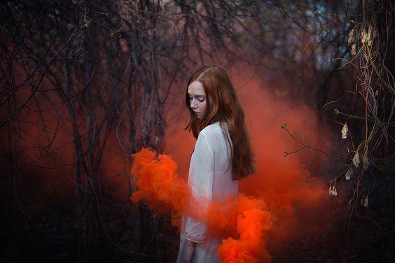 femme-nuage-rouge