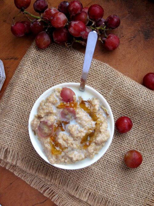 petit-dejeuner-avoine-raisins-500x667