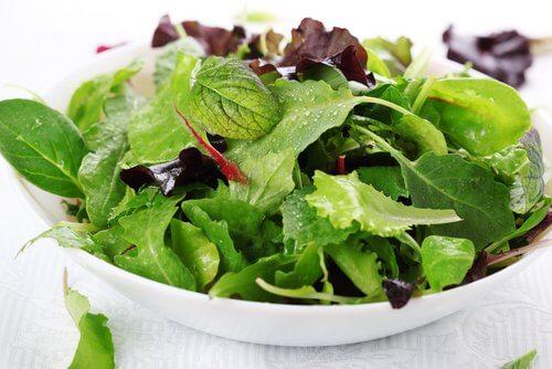 Les salades contre l'acidité stomacale.
