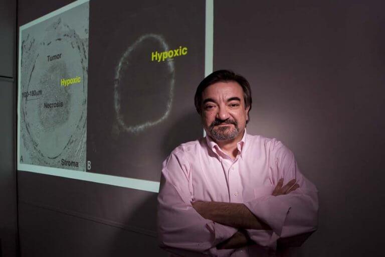 Une molécule capable de combattre le cancer des ovaires : dr amato giaccia