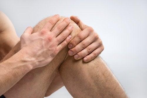 Traitement à base de sel pour les douleurs aux genoux.