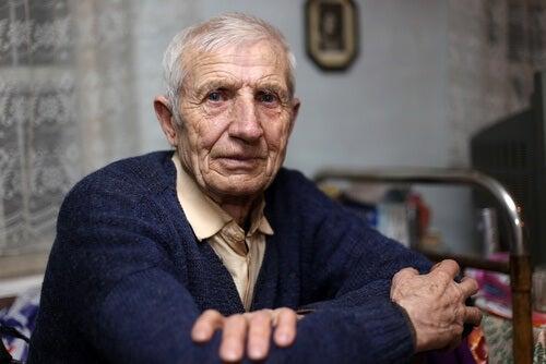 un bel homme âgé