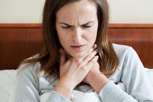 5 Remdes naturels Gargle pour un mal de gorge / Nu-liver
