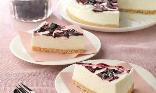 Comment faire un gâteau au yaourt et aux myrtilles ?