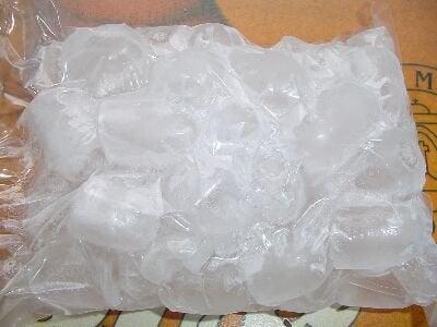 la glace pour éviter les contractures du trapèze