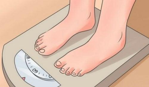 12 habitudes nocturnes qui vous font prendre du poids