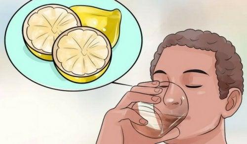4 bienfaits des boissons détoxifiantes pour perdre du poids