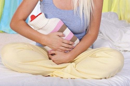 la cystite parmi les signes du cancer du col de l'utérus