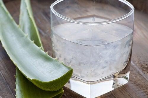 Le jus d'aloe vera contrôle le sucre dans le sang.