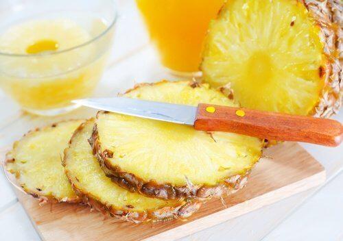 L'ananas pour une peau sans points noirs.