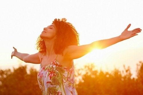8 mensonges que les personnes heureuses refusent de croire