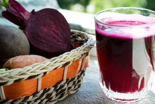 Aliments crus : la betterave.
