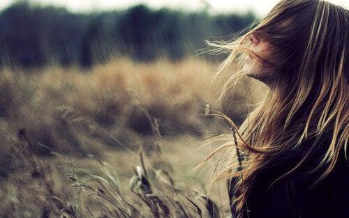 L'importance de prendre soin des pensées pour calmer la tempête.