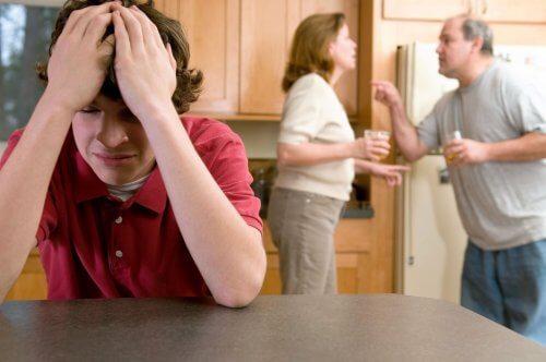 La maltraitance chez les adolescents