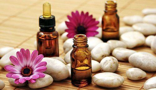 huile de cèdre, remède naturel contre la vaginite bactérienne