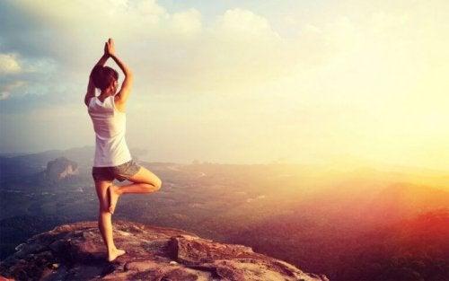 le yoga pour les personnes en surpoids