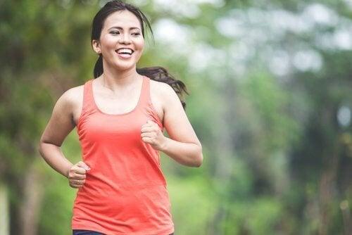 Les 5 meilleurs exercices aérobics pour brûler des graisses sans aller à la salle de sport