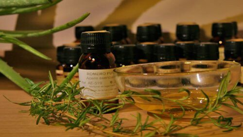 Utilisez des huiles essentielles pour les muscles et les articulations
