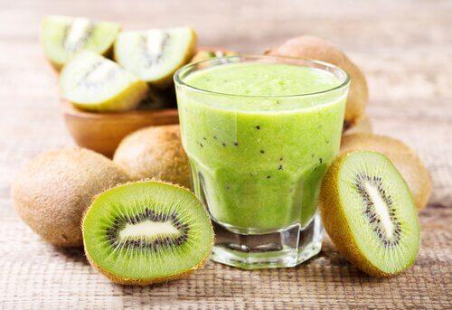 jus laxatifs naturels : orange et kiwi